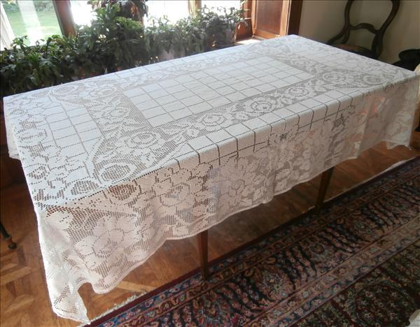 1920s Net Lace Tablecloth Vintage Roses Knotted Lace 88 x 67