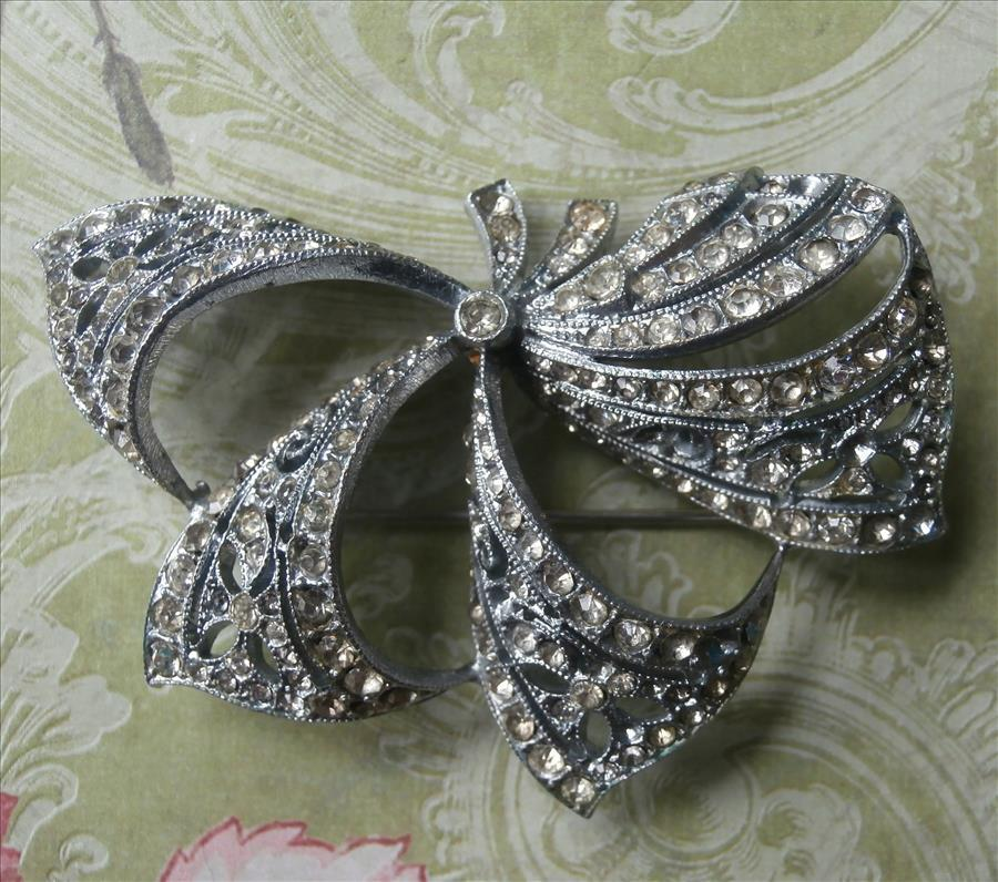 Czech Bow Pin Brooch Vintage Rhinestone Tied Ribbons Effect