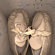 SOLD Vintage White Leather Moccasin Style Doll Shoe