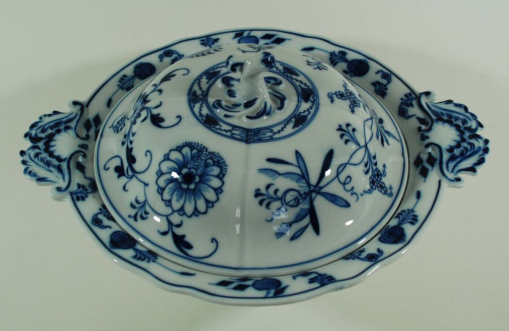 Blue Onion Meissen Covered Vegetable, Vintage