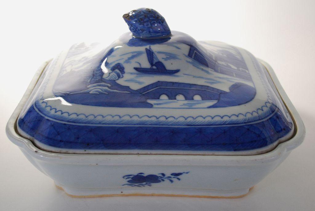 Antique: Canton Covered Vegetable Dish, Porcelain