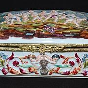 Antique Capodimonte Covered & Hinged Box