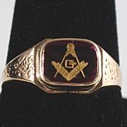 Vintage: Man's Masonic Ring, 10K Gold