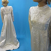 B2640 Vintage wedding gown dress Silk 1960s Beaded