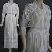 Antique Victorian Edwardian Tea Dress gown white lace bridal wedding