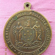 Australian 1937 Coronation Medallion King George V1 & Queen Elizabeth