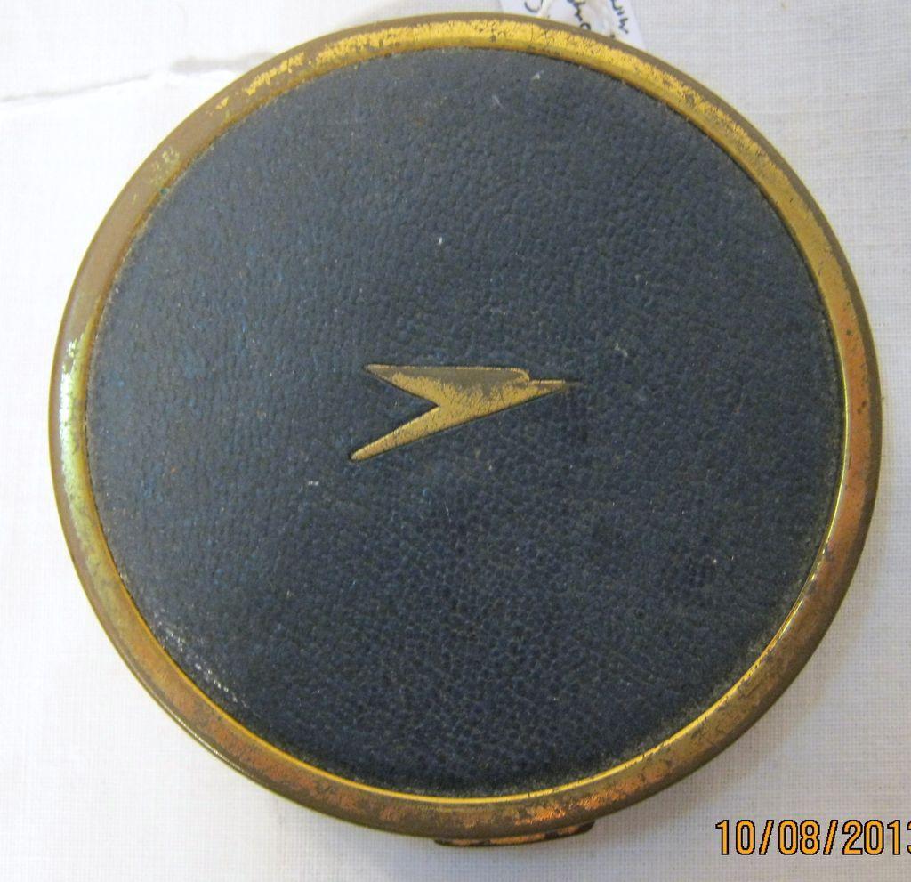 BOAC Airlines Souvenir Ladies Powder Compact