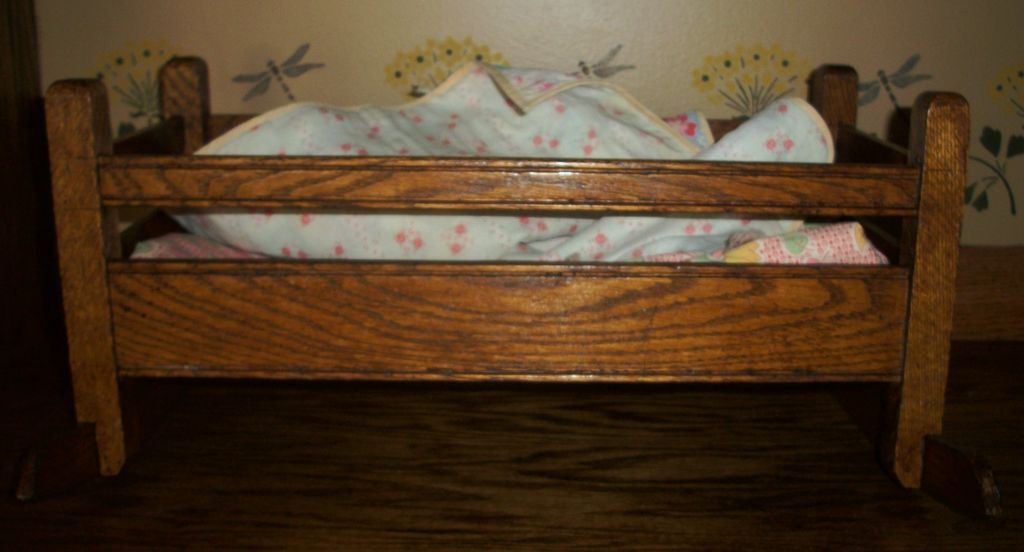 Oak Arts&Crafts Bungalow Era Doll Cradle With Feedsack Quilt