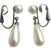 Vintage Richelieu Dangle Tear Drop Pearl Earrings New York Joseph H. Meyer