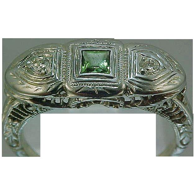 18k White Gold Filigree Diamond & Peridot Art Deco Ring