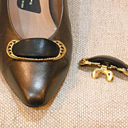 MUSI Shoe Clip – Black Leather with Gold Plated Frame