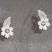 Coro Soft White and Gold Flower Earrings - Clips