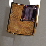 18 Kt Yellow Gold Ring with Amethyst size 9