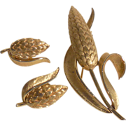 Crown Trifari Wheat Set ~ Pin & Earrings ~ Gold Plated