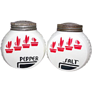 Vintage Anchor Hocking Fire King Vitrock Red Flower Pot Salt & Pepper Shakers