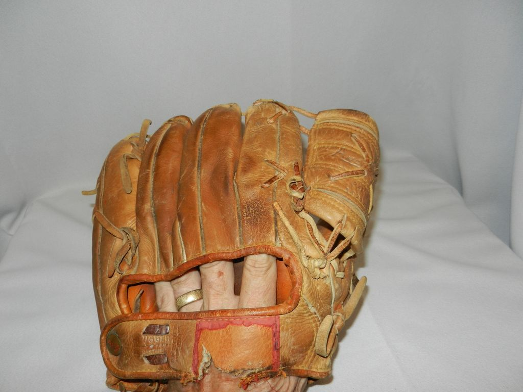 Vintage Mickey Mantle Baseball Glove From