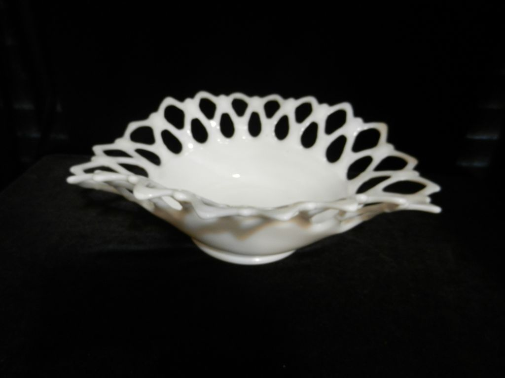 Westmoreland Milk Glass Lattice Oval Bowl
