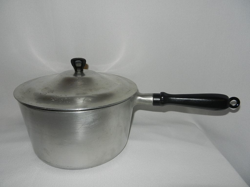 Vintage household institute cooking utensils 3 qt aluminum for Aluminum cuisine