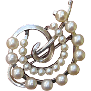 Beautiful Japanese Akoya Cultured Pearls & Leaves Sterling Brooch / Pendant, 1950's - 60's