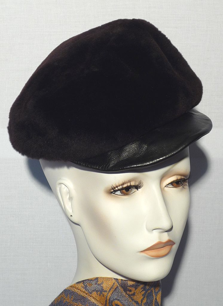 Vintage 1960s Ohrbach's Oval Room Sassy Fur Hat