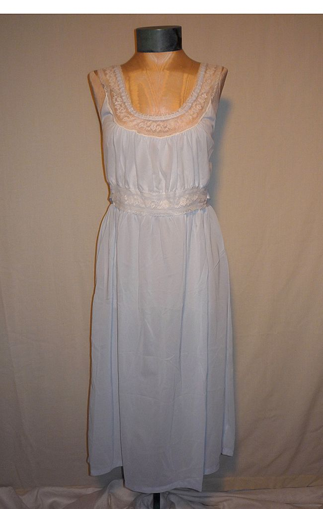 Vintage 1960s Fern Lingerie Lace Trimmed Blue Nightgown Deadstock