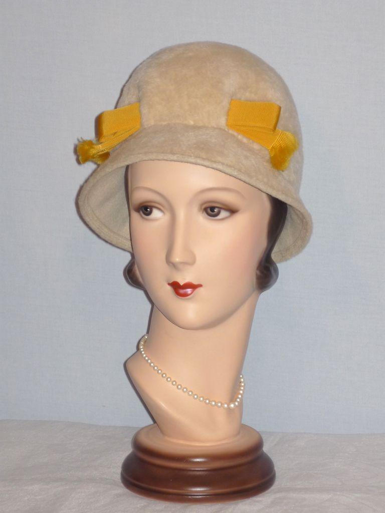Vintage 1960s  Mr John Jr  Cloche Styled Fur Felt Hat