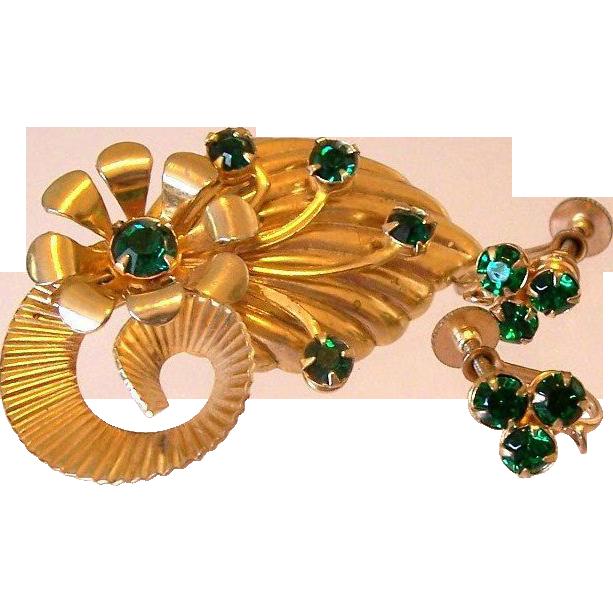 Retro Emerald Green Pin and Screw Back Earrings Set