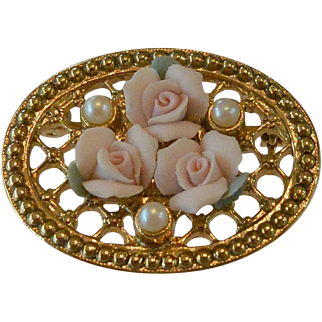 1928 Company Pink Rosettes Pin