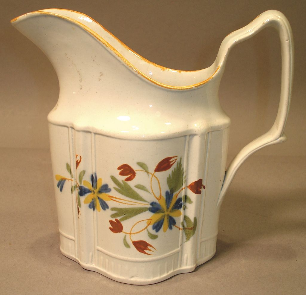 Soft Paste Creamer with Nice Floral Decoration