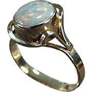 Ladies Vintage Ring with Beautiful Opal - 10k Yellow Gold - October's Birthstone