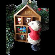Collecting Memories 1995 Collectors Club Hallmark Keepsake Ornament / Christmas Ornament