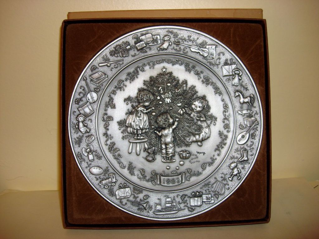 Pewter Plate Hallmark Chart England: 1983 Hallmark Christmas Pewter Plate With Box From