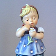 Hummel Daisies Don't Tell figurine
