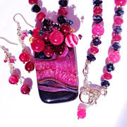 "SOLD CLEARANCE ""Glossy"" Black Agate with Sparkling Fuchsia Druzy with Rubies, Veined"