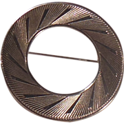 Attractive Silver Tone Circle Pin