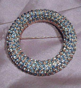 Pretty Light Blue Rhinestone and Silver Tone Circle Pin