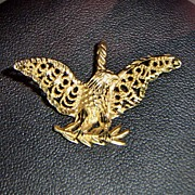 SALE 14kt Gold Beautifully Detailed Eagle Pendant