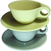 Pair of Russel Wright Residential Cups & Saucers in Gray and Yellow
