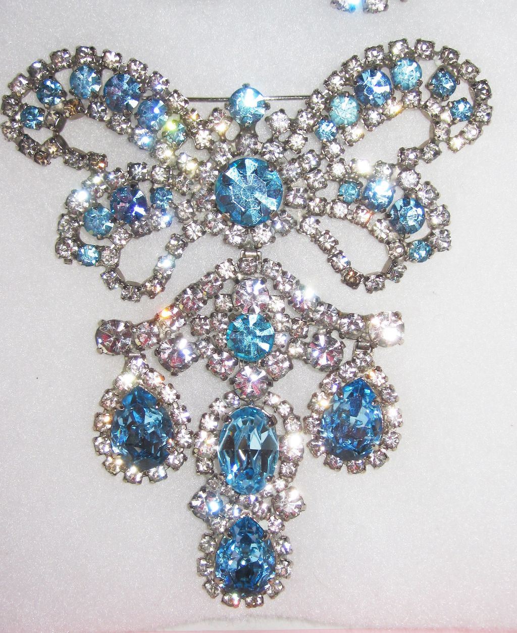 Large Unsigned Girandole Brooch with Earrings Runway! Demi-Parure
