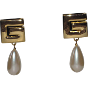 Iconic Vintage Givenchy Goldtone G Earrings Clip