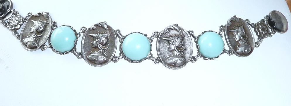 Wonderful Vintage Bracelet Cameo Heads