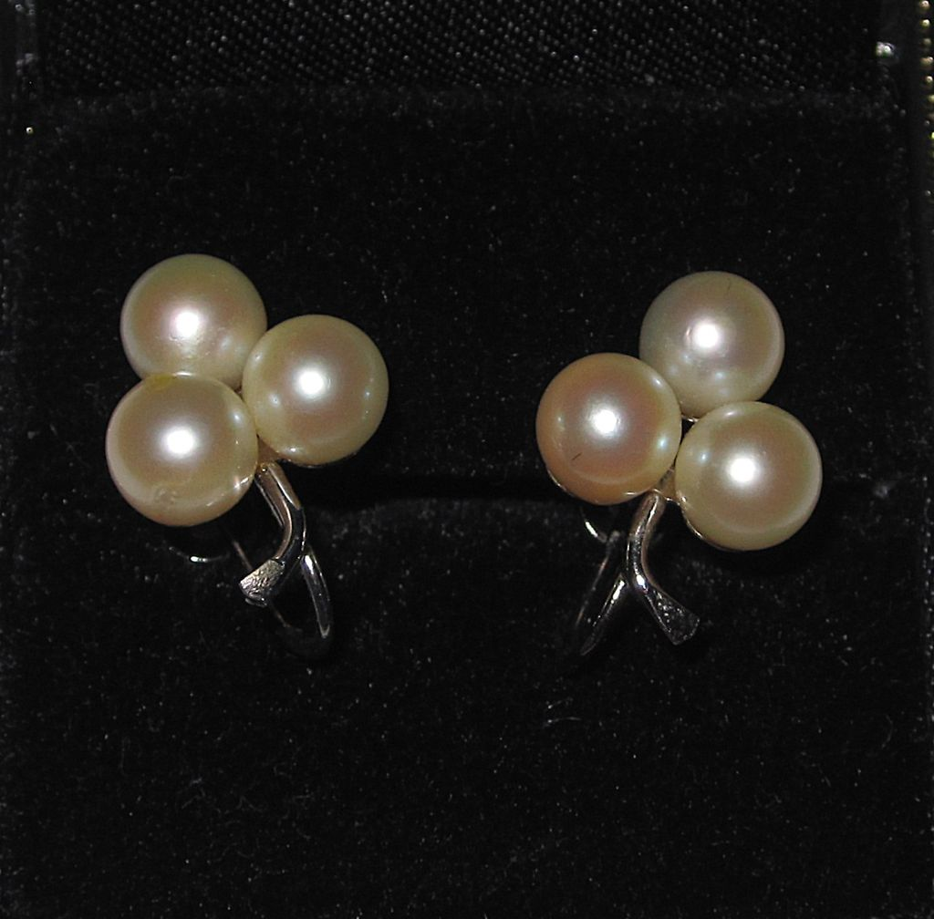 14k white gold pearl earrings from rubylane sold on ruby