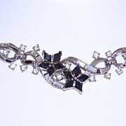 REDUCED Trifari Patent Pending Gorgeous Blue Choker Necklace