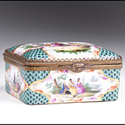 Late 18th C. Meissen Porcelain Rectangular Gilt Wash Interior Snuff Box