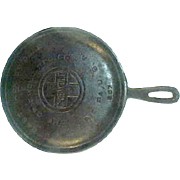"Griswold Large Logo Round 7"" Cast Iron Griddle 607"