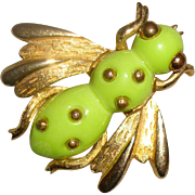 SALE NICE PRICE: Chartreuse Honey-Bee Brooch: Cute As a Bug!