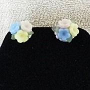 1950 Pastel Floral Clip On Earrings