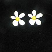 Vintage White Enameled Daisy Clip On Earrings