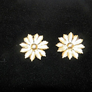 Vintage Gold Metal Flower Clip On Earrings - Coro