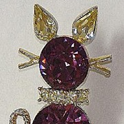 REDUCED Doods Cat Kitty Amethyst & Light Yellow Rhinestone Pin Brooch Goldtone